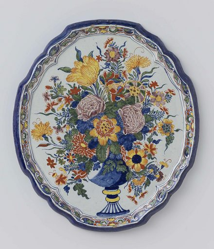 Plate, oval with scalloped edge, multicoloured painted with a vase of flowers