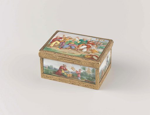 Snuff box of gold, rectangular with domed lid. Entirely enameled and painted with Chinoiseries. Origin: Paris. Date: c 1820 – c 1840. Object ID: BK-17146.