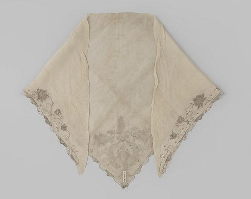 Natural silk silk fichu, triangular, scalloped on two sides and embroidered with floral edge of silver thread. Origin: ? Netherlands. Date: c 1700 – c 1750. Object ID: BK-NM-12185-B.