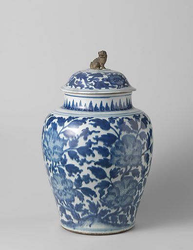 Ovoid covered jar with large peonies. Origin: China. Date: c 1675 – c 1699. Object ID: AK-NM-6651-2.