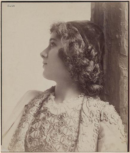 Julia Marlowe. Sitter: Julia Marlowe, 17 Aug 1866 – 12 Nov 1950. Date: 1890s. Record ID: npg_S_NPG.78.89.