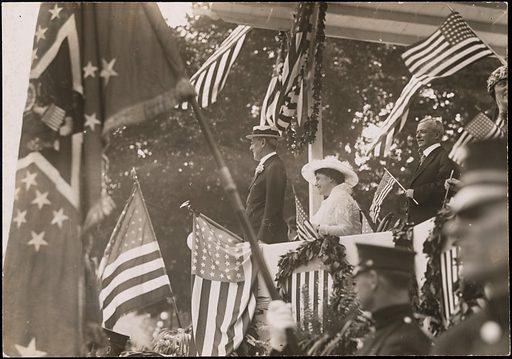 Woodrow Wilson and Edith Bolling Galt Wilson. Sitters: Woodrow Wilson, 28 Dec 1856 – 3 Feb 1924; Edith Bolling Galt Wilson, 15 Oct 1872 – 28 Dec 1961; Robert Lancing, 1872 – 1928. Date: 1910s. Record ID: npg_S_NPG.84.277.