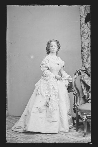 Maggie Mitchell. Sitter: Maggie Mitchell, 14 Jun 1837 – 22 Mar 1918. Date: 1860s. Record ID: npg_NPG.81.M3734.2.