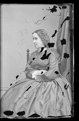 Clara Louise Kellogg. Sitter: Clara Louise Kellogg, 12 Jul 1842 – 13 May 1916. Date: 1860s. Record ID: npg_NPG.81.M3751.3.