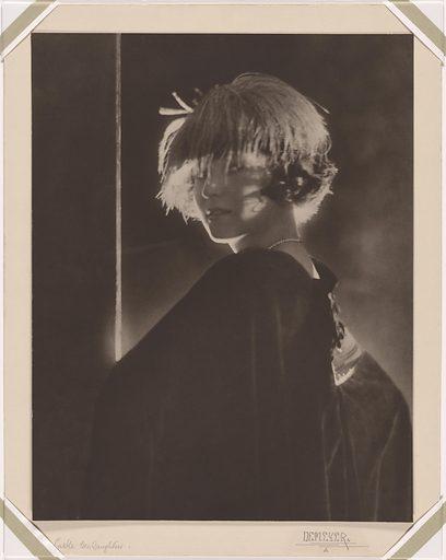 Irene Foote Castle. Sitter: Irene Foote Castle, 7 Apr 1893 – 26 Jan 1969. Date: 1910s. Record ID: npg_NPG.94.10.