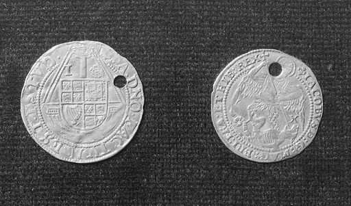 Two gold-touch pieces of James I Obverse and reverse shown (actual size). Touch-piece. Infectious diseases. Work ID: gtfj7u4v.