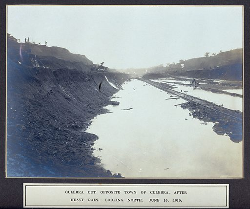 The Culebra Cut after heavy rain: Panama Canal construction work in progress. Photograph, 1910. Created 1910. Panama. Panama Canal (Panama). Work ID: kpncdeua.