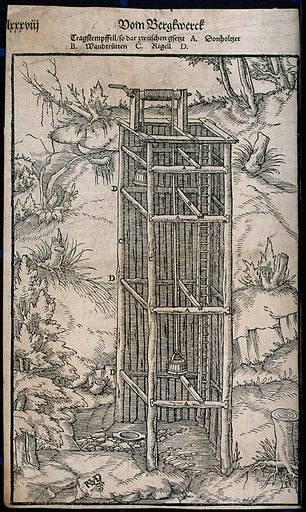 A pulley system in a mine. Woodcut, ca 1550. Created ca 1550?. Mines and mineral resources. Work ID: yu64t8az.