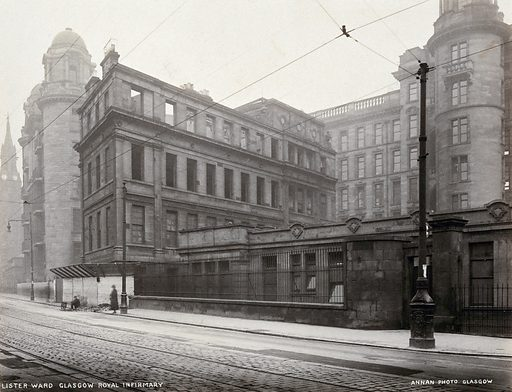 Glasgow Royal Infirmary, Scotland: the Lister Building in course of demolition. Photograph, 1924. Created 1924. Glasgow Royal Infirmary. Work ID: zbgpq2bz.