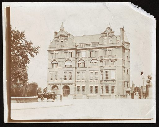 The Lister Institute Building. Work ID: wanfp633.