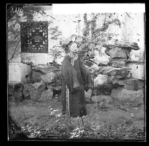 Manchu lady by John Thomson. China. Photograph by John Thomson, 1869. Contributors: J Thomson. Work ID: ghtbjfra.