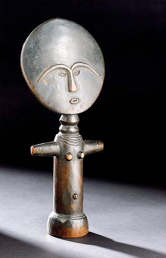 'Akua Mma' doll, West Africa, 1880–1930. This doll is known as 'akua mma'. It represents beauty as conceived by the Ashanti people of Ghana, West Africa. The dolls are traditionally carried on women's backs like a real child. This is said to aid conception and a healthy and successful birth. The name akua mma is said to have come from the story of Akua. She was an Ashanti woman having difficulty conceiving a child. A priest advised her to carry a wooden doll on her back. She gave birth to a healthy child some time later. The distinctive shape of the doll is repeated throughout Ashanti art. Contributors: Science Museum, London. Work ID: fmegrbzk.