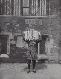 Distributing Maundy Money, Yeoman carrying Alms