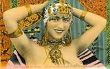 Jeune Femme Kabyle Paree de Ses Bijoux