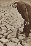 Dried up reservoir in Kettering, Northamptonshire, during the drought of 1934