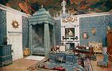 The Queen's Dolls' House: The Queen's Bedroom