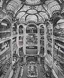 """Paris: Un des Halls des Grands Magasins """"Aux Galeries Lafayette – Paris"""""""