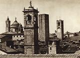 Italy: Bergamo, Torri nella citta vecchia