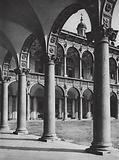 Milano, Cortile nell' Ospedale Maggiore; Milan, Court in the Hospital