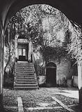 Cefalu, Cortile; Court in Cefalu