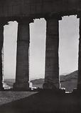 Sicilia / Sicily: Segesta, Colonne del tempio, Fronte di levante