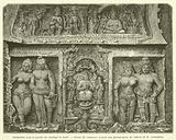 Sculptures sous le porche du Chaitiya de Karli