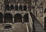 Firenze / Florence: Cortile e scala del Palazzo del Podesta, secolo XIII
