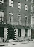 Wimpole Street, where Mrs Browning lived before her Marriage