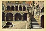 Firenze / Florence: Palazzo Pretorio o del Podesta, La scala del Cortile, secolo XIII
