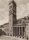Assisi: Piazza del Comune, Tempio di Minerva con la Torre e Palazzo del Capitano del Popolo
