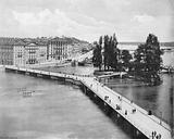 Geneve - Le Pont des Bergues Et L'Ite Rousseau