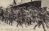 British soldiers escorting German prisoners, World War I, 1914-1915