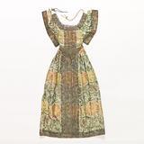 Dress for an ecclesiastical figurine