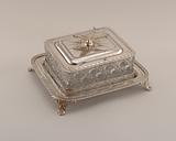 Sardine box with tray