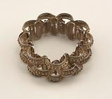 Bracelet, comb and earrings