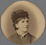 Photographic portrait of Paola Clairmont