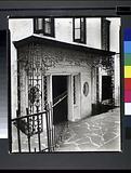Doorway, 16–18 Charles Street, Manhattan