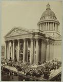 Wreaths of flowers around the Pantheon, 2 June 1885