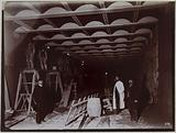 Covered trench under the rue de Lyon. Coating of the feet. 12th arrondissement, Paris. 19 November 1899.