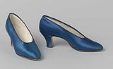 Shoe made of cobalt blue satin