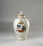 Ovoid tea caddy with the arms of the Van Schoonhoven and Geraerds family