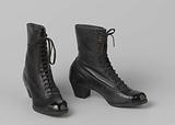 Lace-up boots in black box calf with toe caps