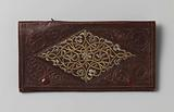 Letter bag in a flat, rectangular model, made of dark red (artificial?) Leather, on the inside of which a diamond …