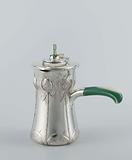 Chocolate pot with a molinet
