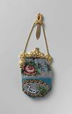 Beaded purse with a gold clasp and hook