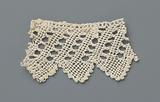 Strip knotted lace with slanting lines and scallops