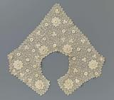 Crocheted lace collar with sprinkle pattern of large and small rosette flowers