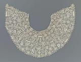 Crocheted lace Berthe with spreading motif