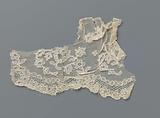 Strip bobbin lace with pearl and rosette frame