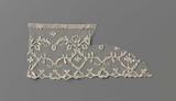 Bobbin lace frill with diamond-shaped medallions